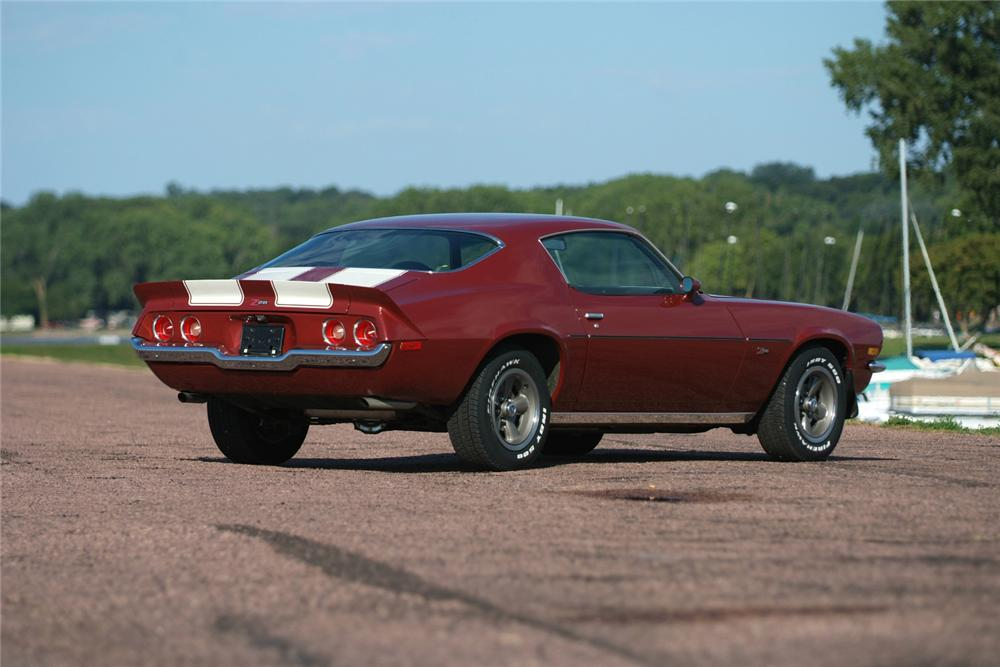 1973 CHEVROLET CAMARO Z/28 COUPE - Rear 3/4 - 70965