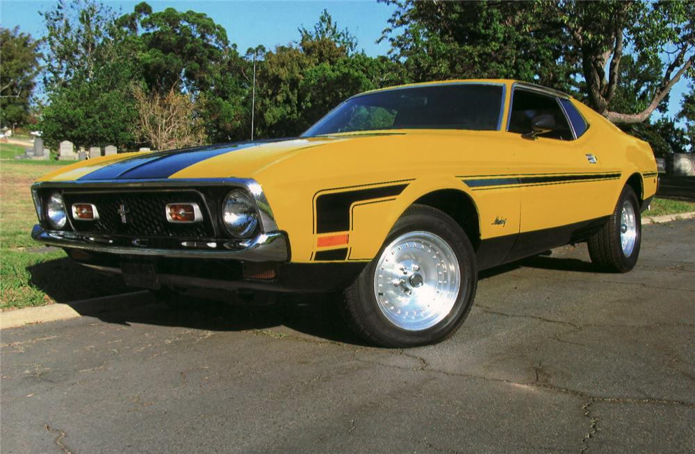 1971 FORD MUSTANG FASTBACK - Front 3/4 - 70977