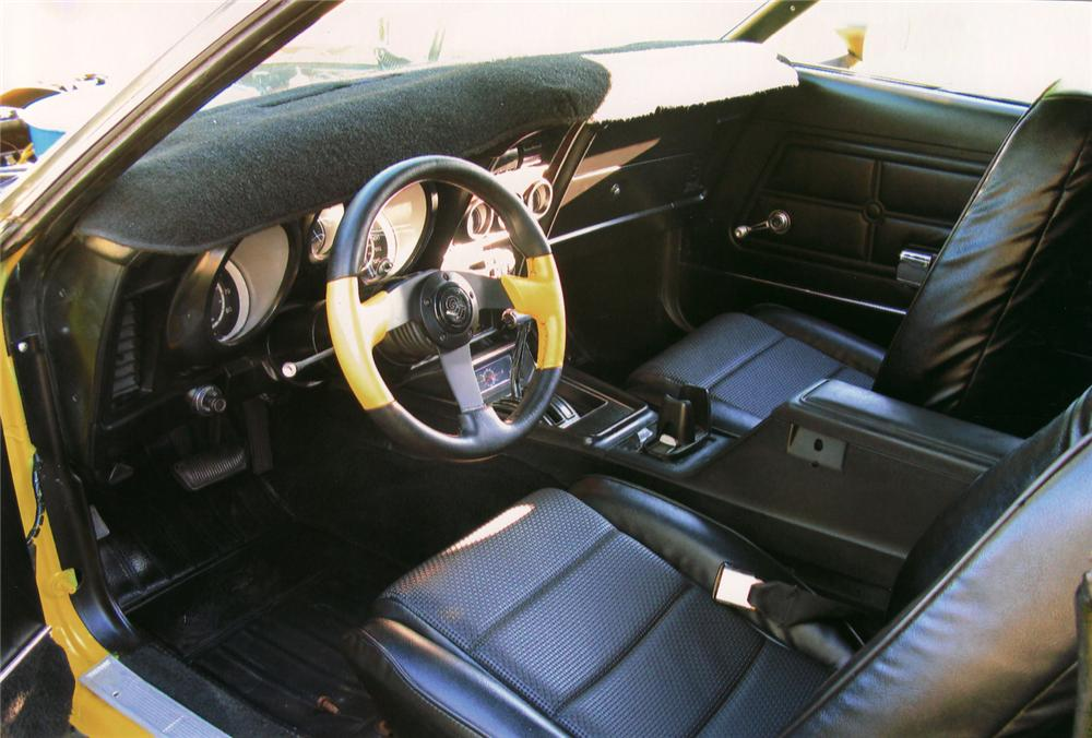 1971 FORD MUSTANG FASTBACK - Interior - 70977