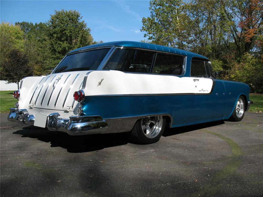 1955 PONTIAC SAFARI CUSTOM STATION WAGON - Rear 3/4 - 70980