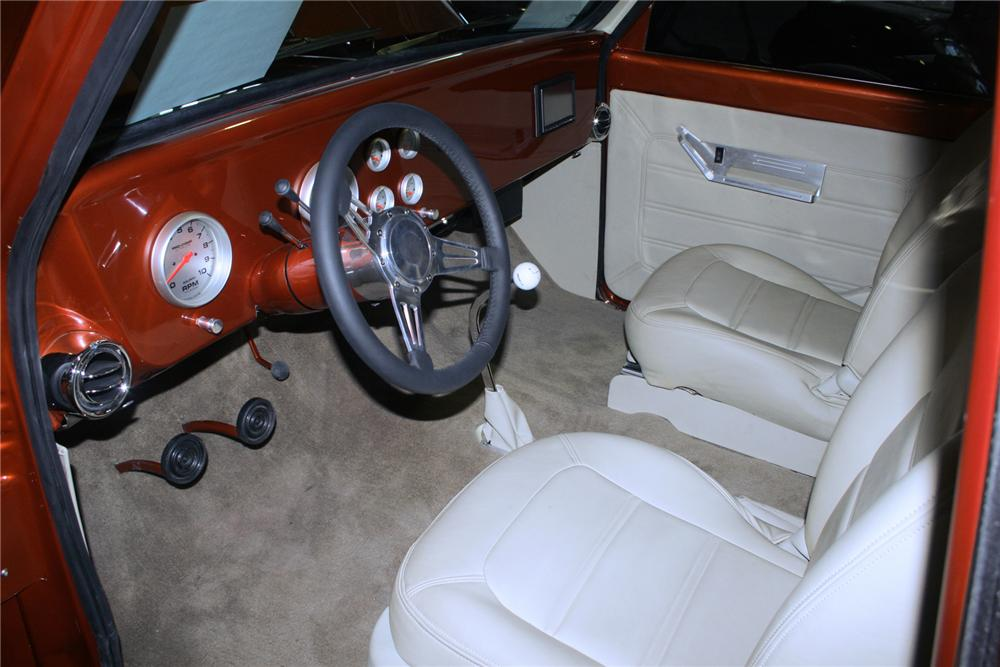 1972 CHEVROLET C-10 CUSTOM PICKUP - Interior - 70990