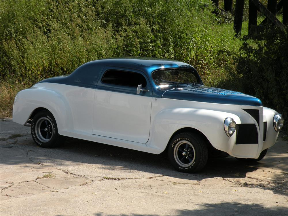 1940 PLYMOUTH CUSTOM COUPE - Front 3/4 - 71034