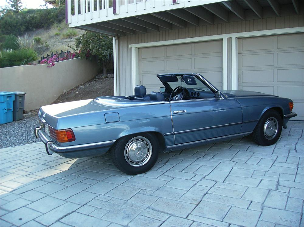 1973 MERCEDES-BENZ 450SL CONVERTIBLE - Rear 3/4 - 71037