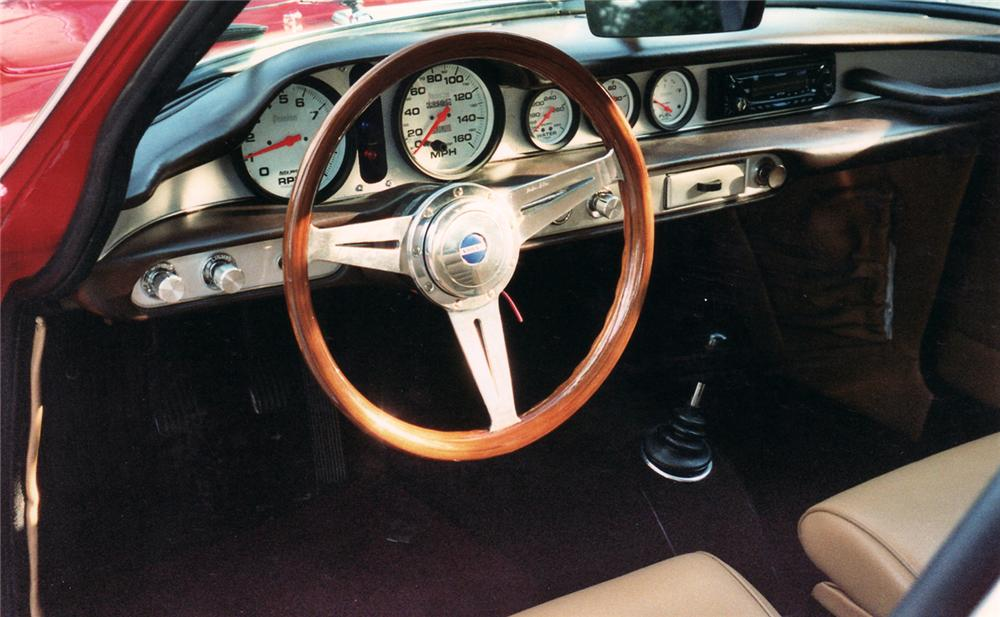 1967 VOLVO P1800 S COUPE - Interior - 71042