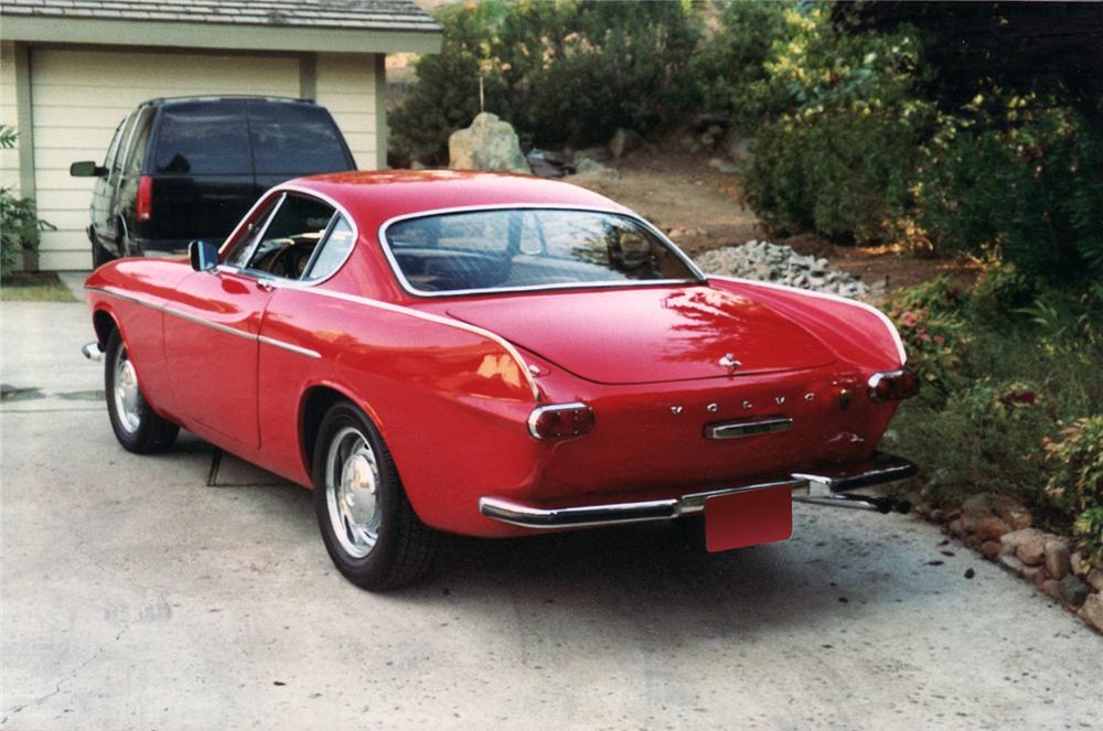 1967 VOLVO P1800 S COUPE - Rear 3/4 - 71042