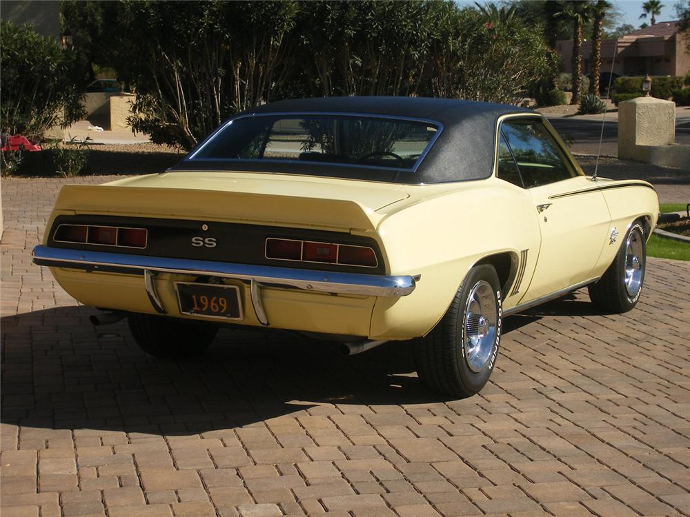 1969 CHEVROLET CAMARO SS COUPE - Rear 3/4 - 71050