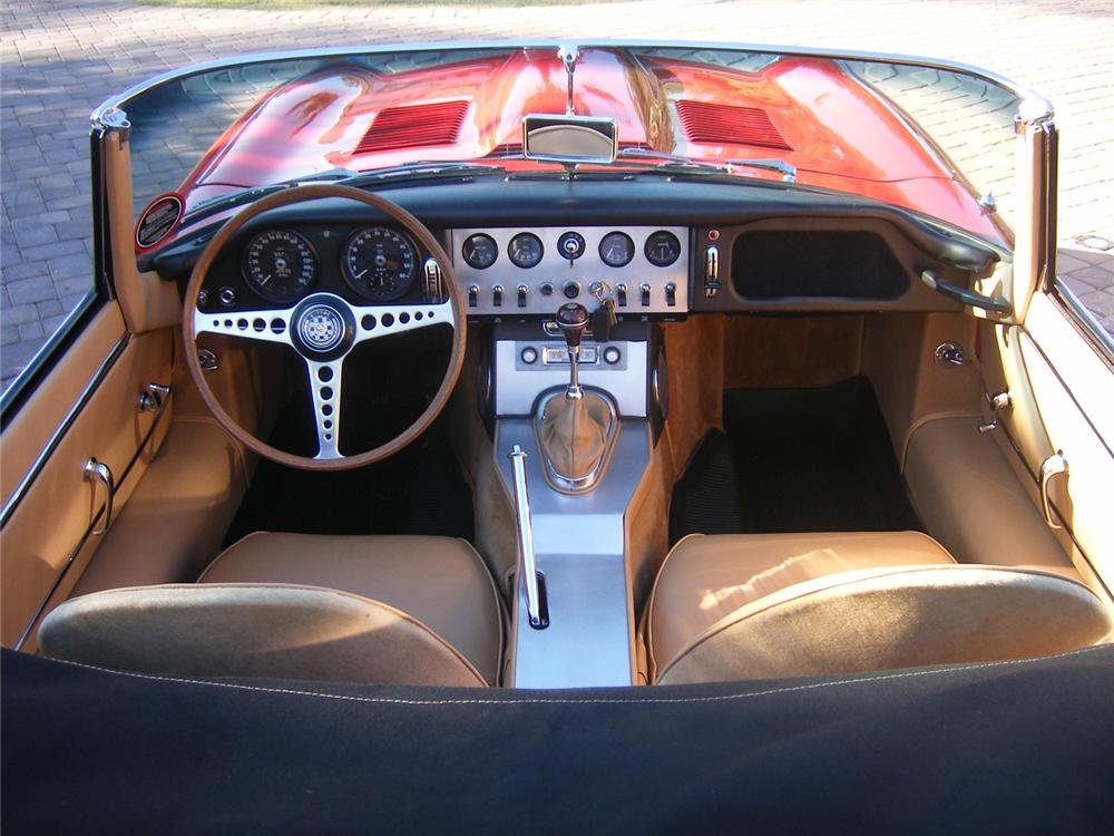 1962 JAGUAR XKE CONVERTIBLE - Interior - 71052