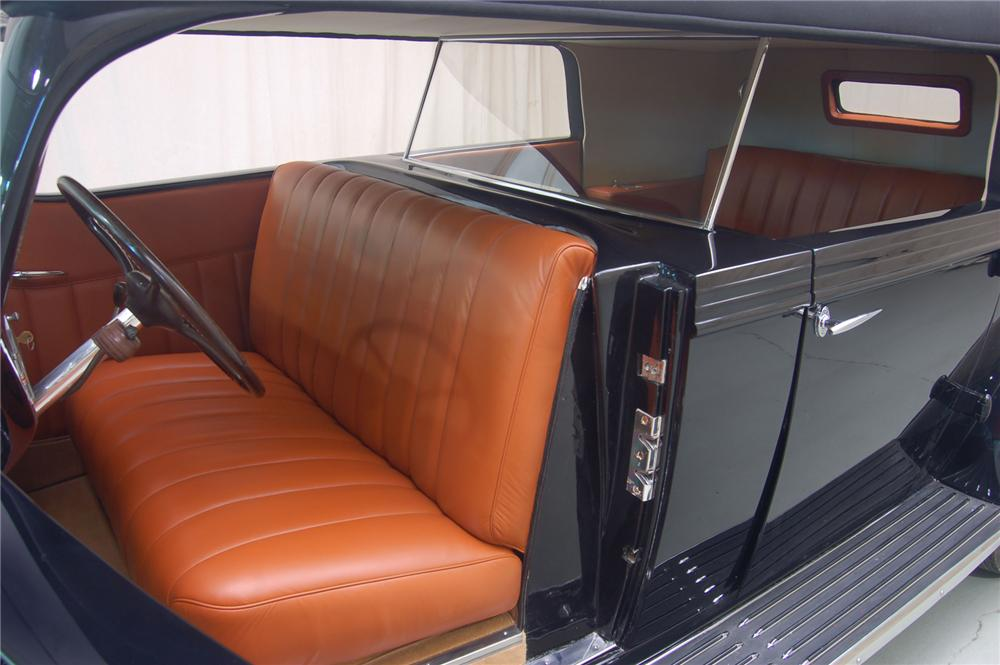 1937 PACKARD 120 PHAETON - Interior - 71066
