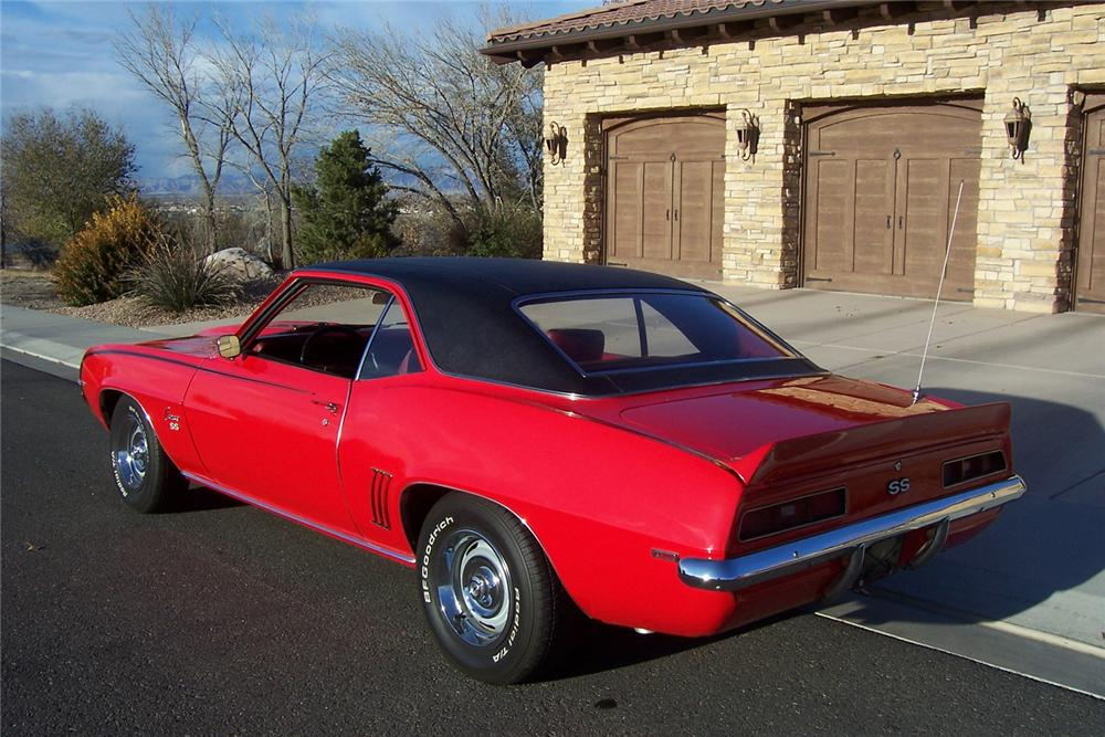 1969 CHEVROLET CAMARO COUPE - Rear 3/4 - 71076