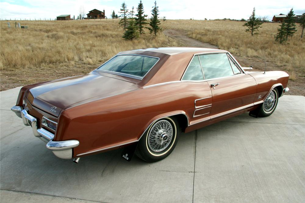 1964 BUICK RIVIERA 2 DOOR COUPE - Rear 3/4 - 71083