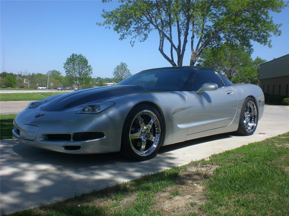 1999 CHEVROLET CORVETTE CUSTOM COUPE - Front 3/4 - 71099