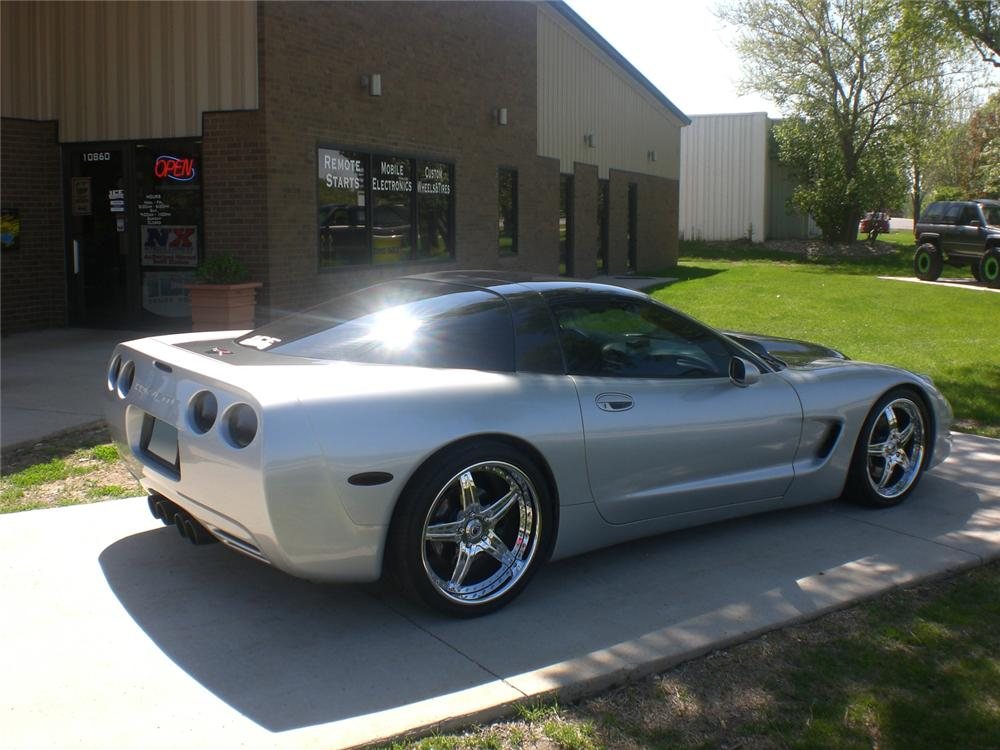 1999 CHEVROLET CORVETTE CUSTOM COUPE - Rear 3/4 - 71099