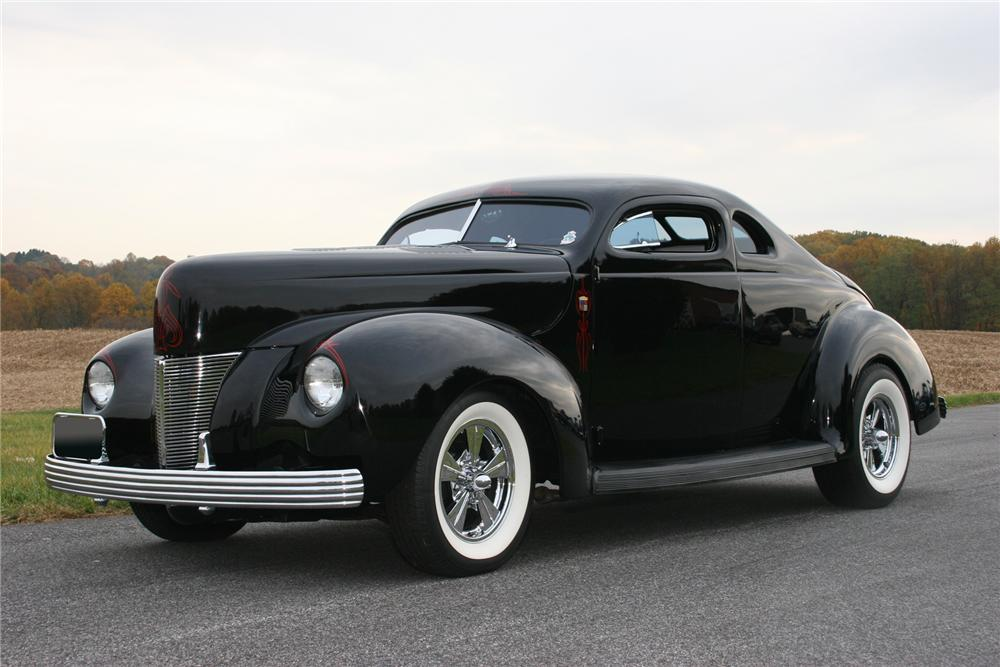 1940 FORD DELUXE 2 DOOR HOT ROD COUPE - Front 3/4 - 71106