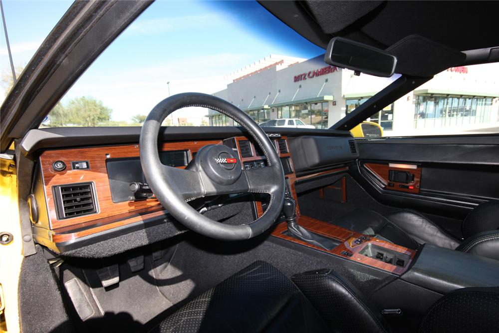 1988 CHEVROLET CORVETTE COUPE - Interior - 71126
