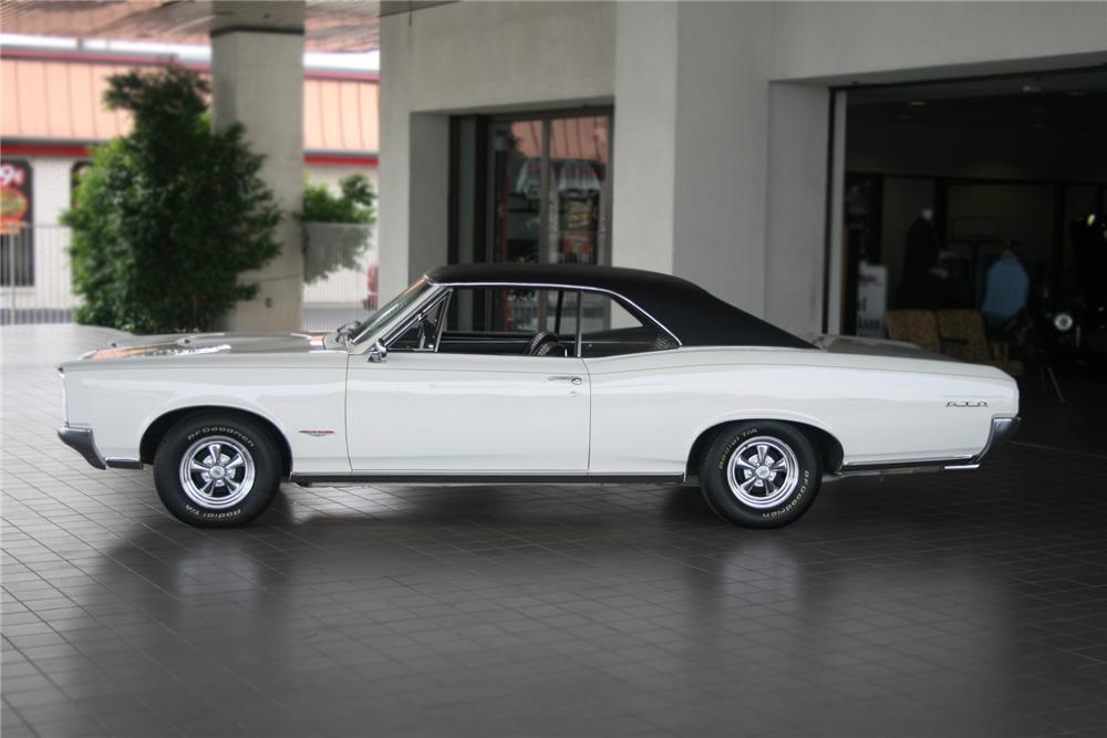 1966 PONTIAC GTO 2 DOOR HARDTOP - Side Profile - 71127