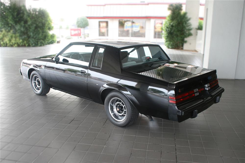 1987 BUICK REGAL GRAND NATIONAL COUPE - Rear 3/4 - 71135