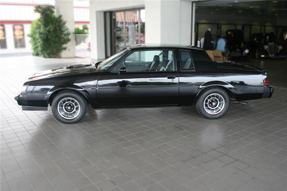 1987 BUICK REGAL GRAND NATIONAL COUPE - Side Profile - 71135