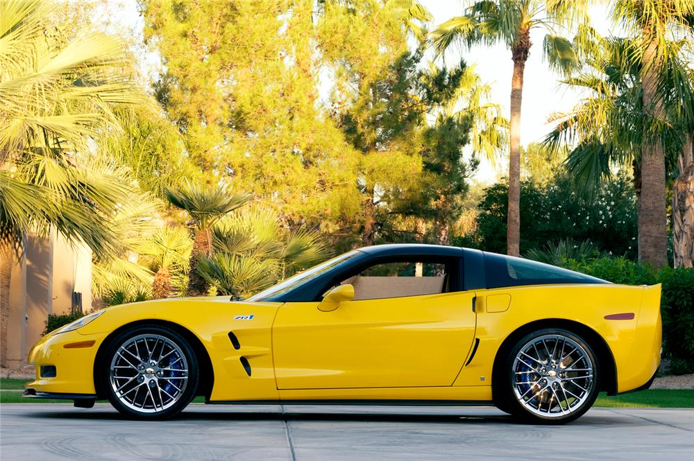 2009 CHEVROLET CORVETTE ZR-1 COUPE - Side Profile - 71178
