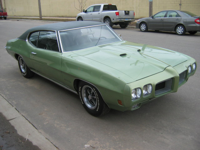 1970 PONTIAC GTO 2 DOOR COUPE - Front 3/4 - 71183