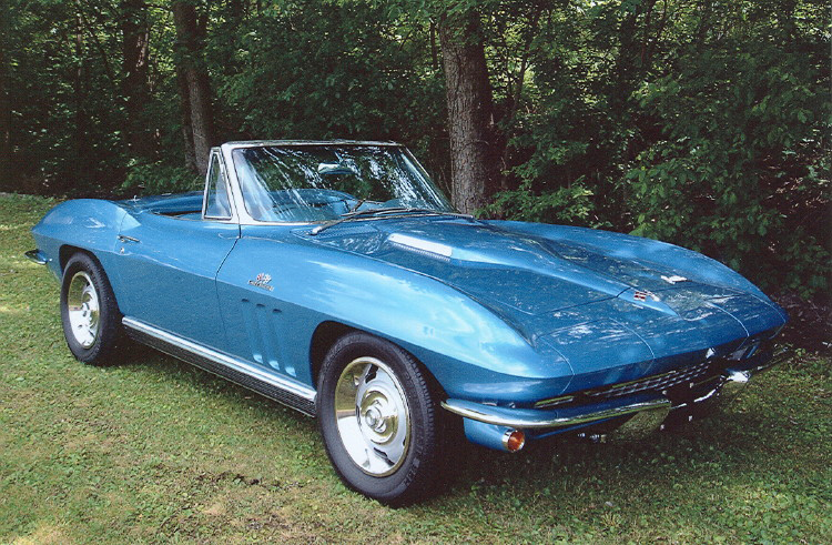 1966 CHEVROLET CORVETTE CONVERTIBLE - Front 3/4 - 71206