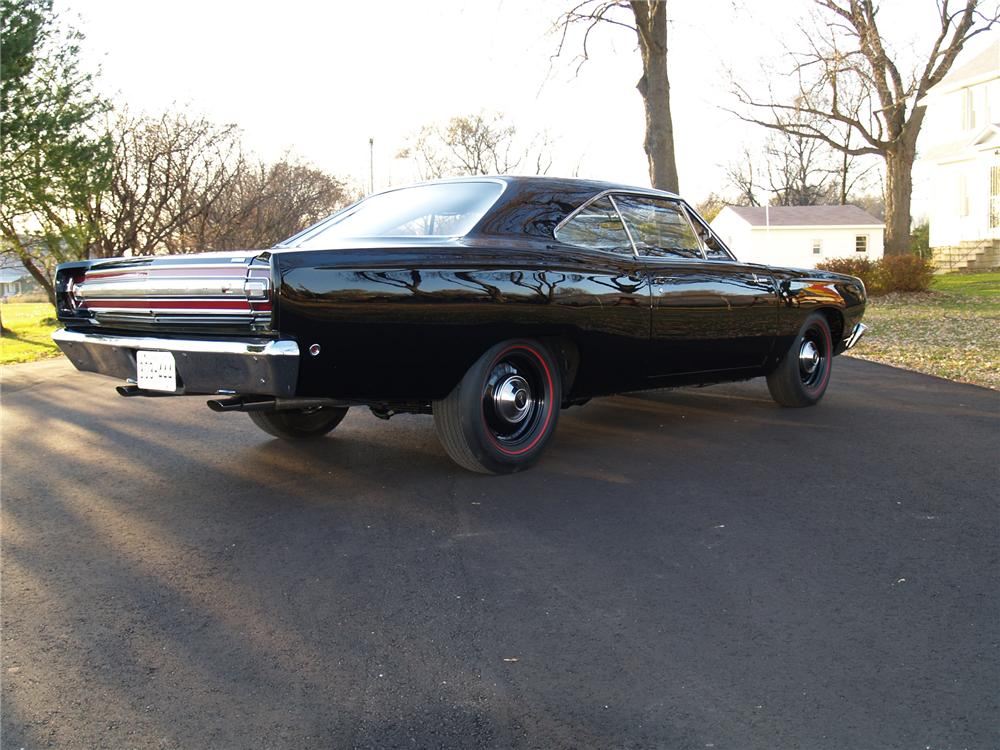1968 PLYMOUTH HEMI ROAD RUNNER 2 DOOR HARDTOP - Rear 3/4 - 71230