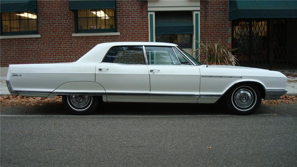 1966 BUICK ELECTRA 225 4 DOOR HARDTOP - Side Profile - 71257
