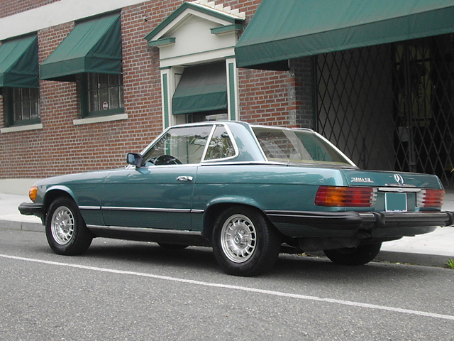 1982 MERCEDES-BENZ 380SL CONVERTIBLE - Rear 3/4 - 71260