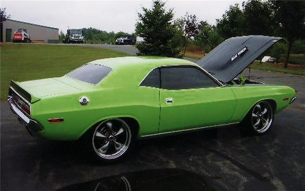 1970 DODGE CHALLENGER CUSTOM 2 DOOR HARDTOP - Rear 3/4 - 71262