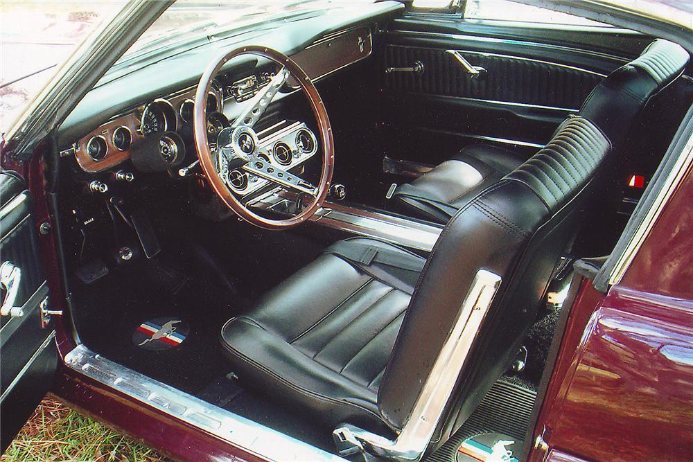 1965 FORD MUSTANG CUSTOM FASTBACK - Interior - 71263