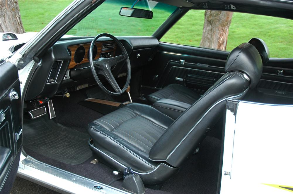 1970 PONTIAC GTO COUPE - Interior - 71269