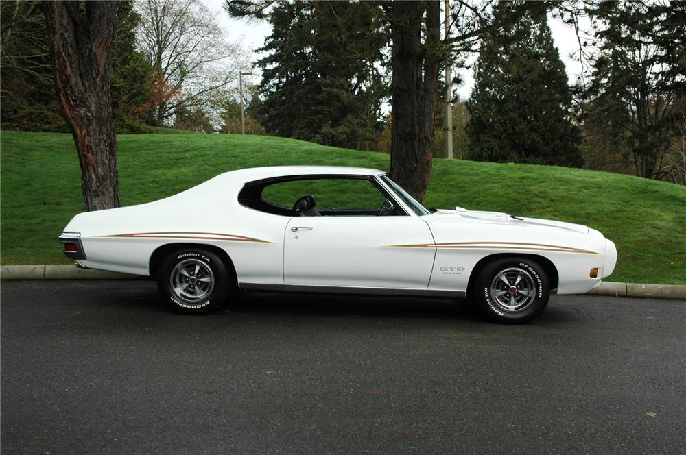 1970 PONTIAC GTO COUPE - Side Profile - 71269