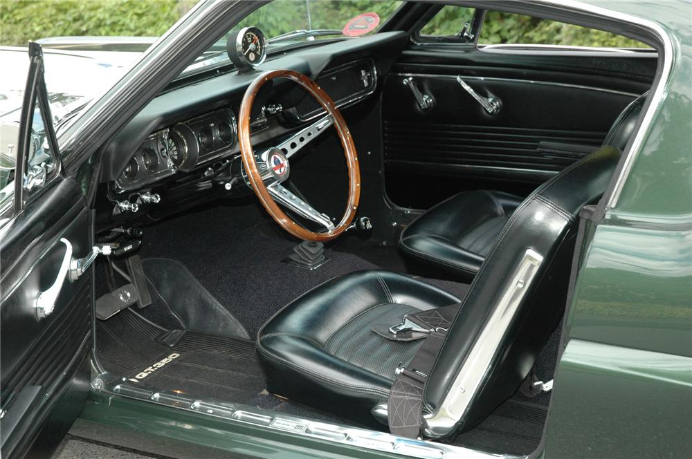 1966 SHELBY GT350 FASTBACK - Interior - 71282