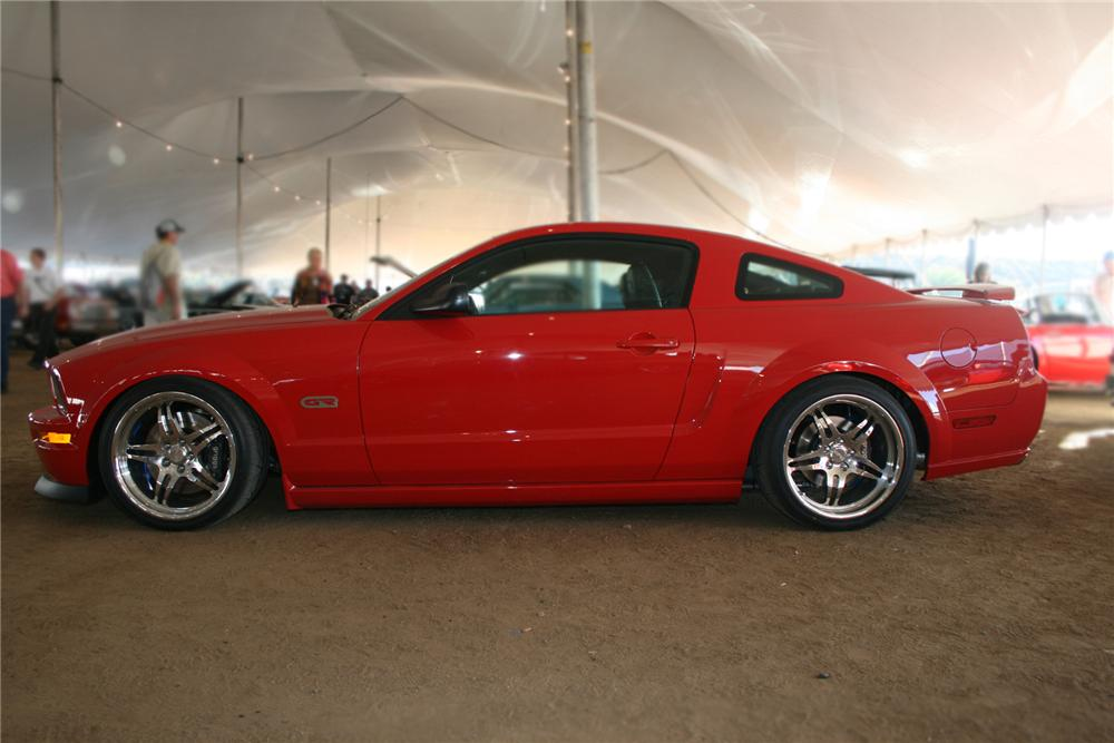 2008 ford mustang gt custom coupe 71546. Black Bedroom Furniture Sets. Home Design Ideas