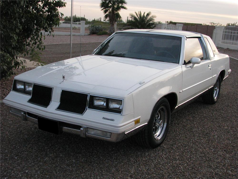 1985 OLDSMOBILE CUTLASS COUPE - Front 3/4 - 71576