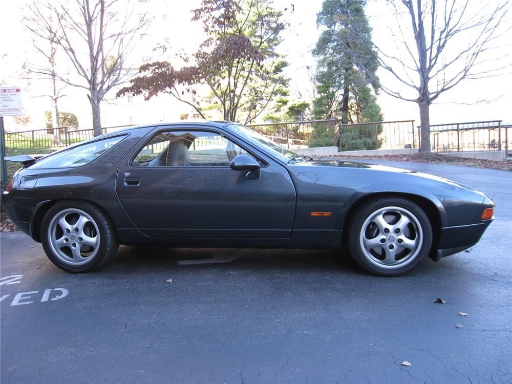 1994 PORSCHE 928 GTS 2 DOOR COUPE - Side Profile - 71578