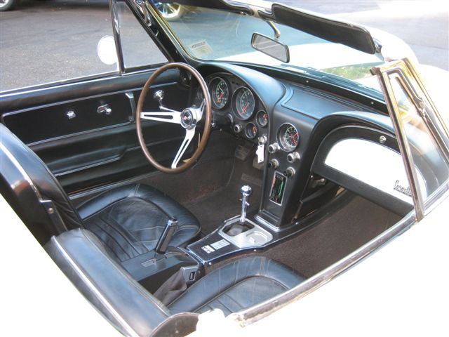1967 CHEVROLET CORVETTE CONVERTIBLE - Interior - 71582