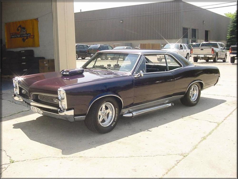 "1967 PONTIAC GTO CUSTOM HARDTOP ""XXX MOVIE CAR"" - Front 3/4 - 71634"