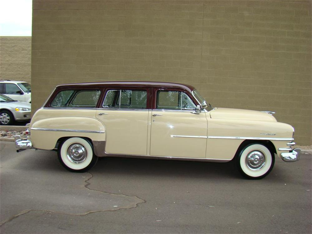 1953 CHRYSLER TOWN & COUNTRY STATION WAGON - Side Profile - 71656