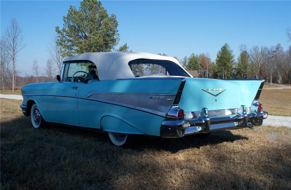1957 CHEVROLET BEL AIR CONVERTIBLE - Rear 3/4 - 71660