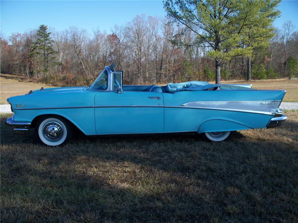1957 CHEVROLET BEL AIR CONVERTIBLE - Side Profile - 71660