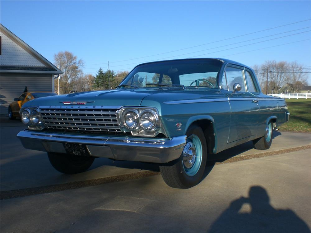 1962 CHEVROLET BEL AIR 2 DOOR COUPE - Front 3/4 - 71662