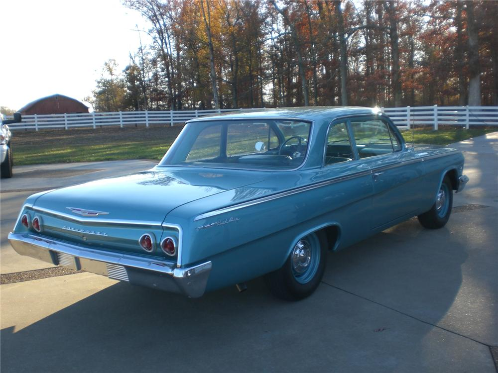 1962 CHEVROLET BEL AIR 2 DOOR COUPE - Rear 3/4 - 71662