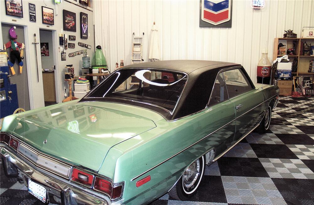 1974 DODGE DART SWINGER 2 DOOR HARDTOP - Rear 3/4 - 71677