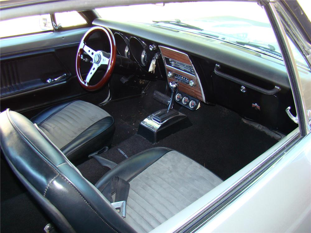 1967 PONTIAC FIREBIRD CUSTOM COUPE - Interior - 71697