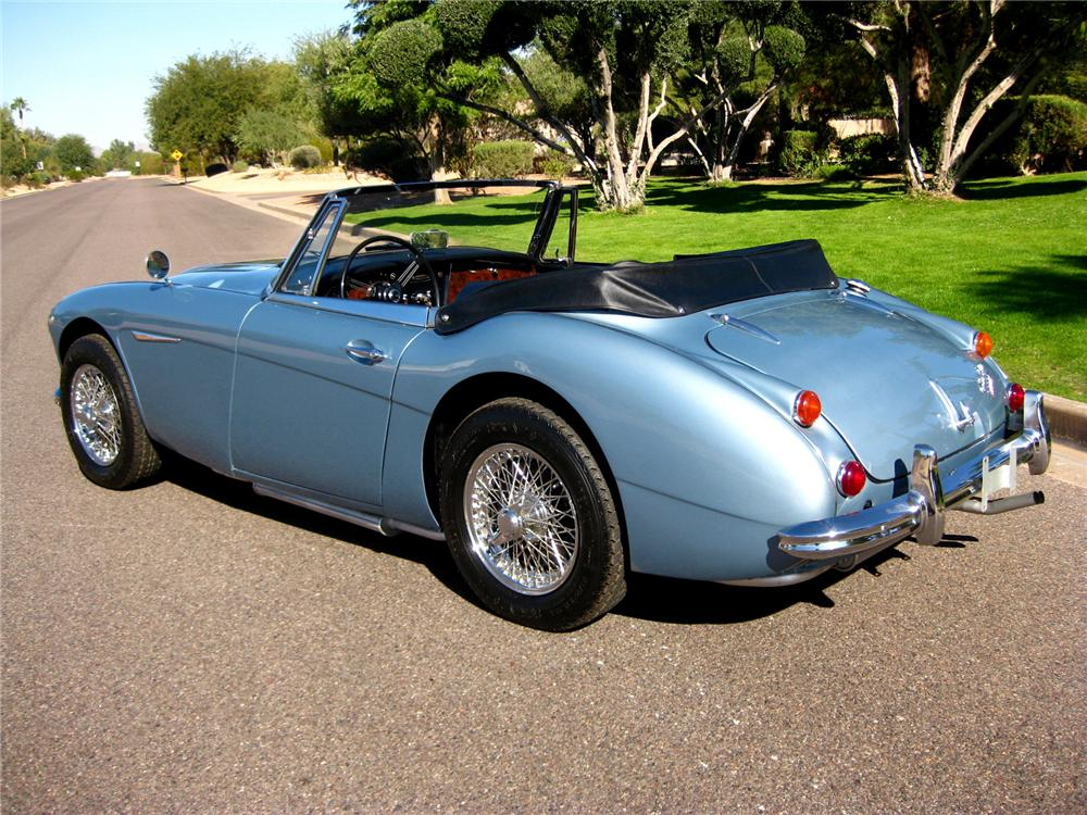 1967 AUSTIN-HEALEY BJ8 CONVERTIBLE - Rear 3/4 - 71700