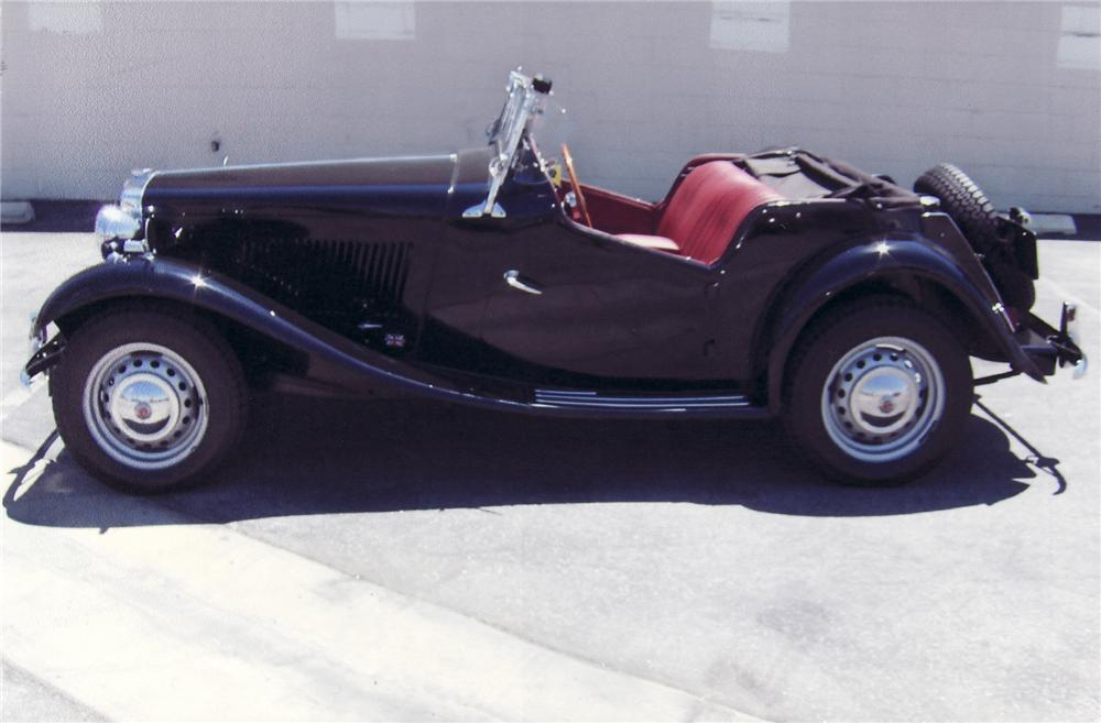 1951 MG TD ROADSTER - Side Profile - 71706