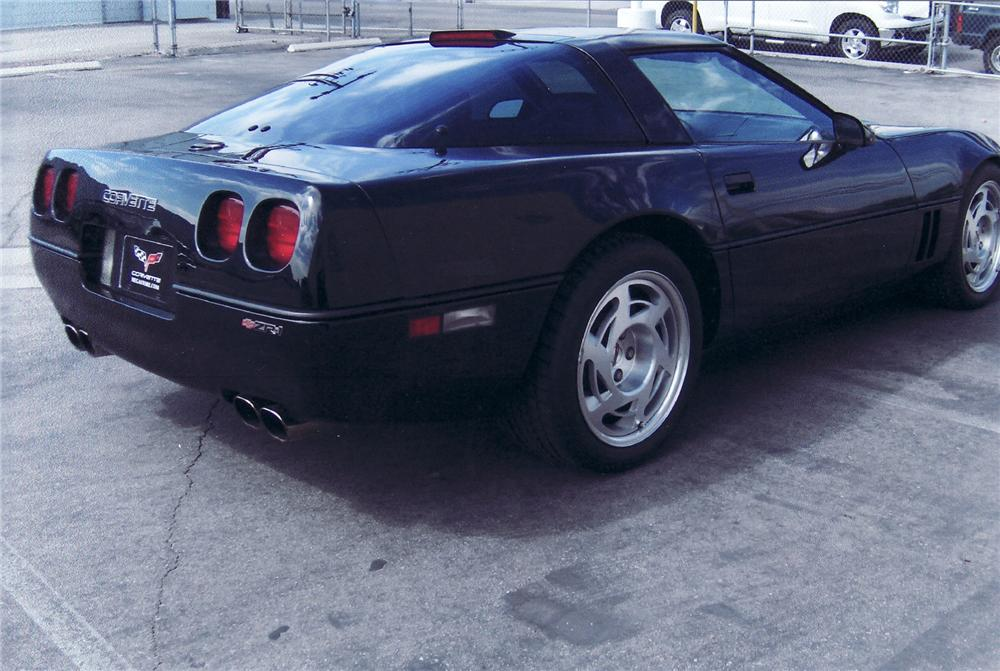1990 CHEVROLET CORVETTE ZR-1 COUPE - Rear 3/4 - 71707