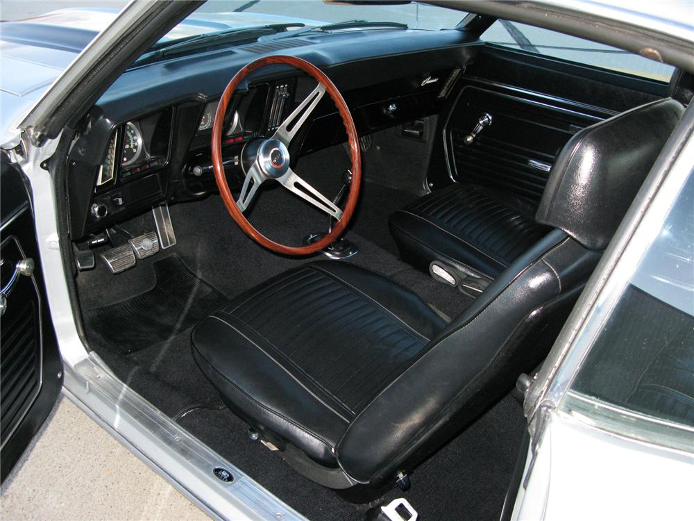 1969 CHEVROLET CAMARO Z/28 RS COUPE - Interior - 71713