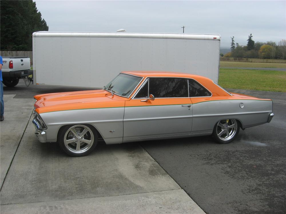 1967 CHEVROLET NOVA CUSTOM 2 DOOR HARDTOP - Front 3/4 - 71737