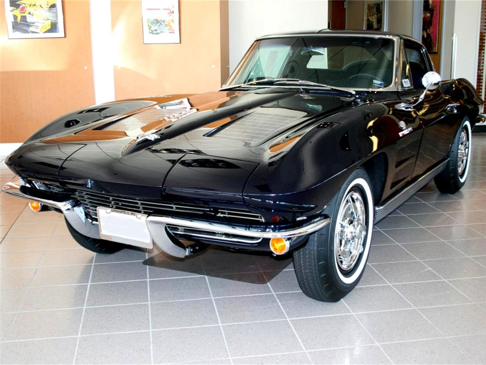 1963 CHEVROLET CORVETTE COUPE - Front 3/4 - 71767
